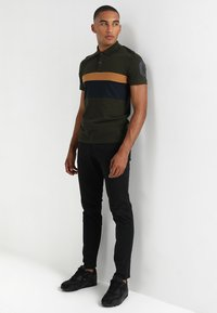 Jack & Jones - JJICODY JJSPENCER  - Pantalones chinos - black - 1