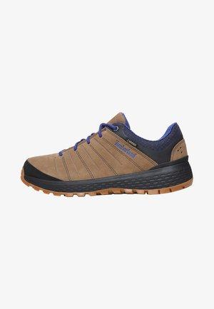 PARKER RIDGE GTX - Sznurowane obuwie sportowe - brown