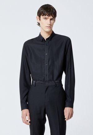 SLIM À COL CLASSIQUE - Formal shirt - black
