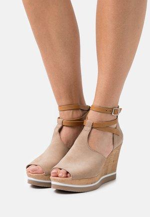 MARY - Sandály na vysokém podpatku - marvin