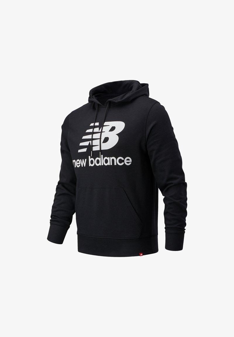 New Balance - ESSENTIALS STACKED LOGO PO HOODIE - Hoodie - black