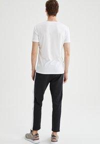 DeFacto - Pantaloni sportivi - anthracite - 2