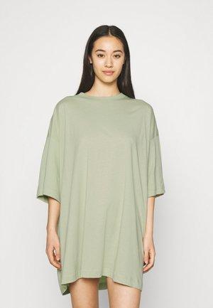 HUGE - T-shirts - pale green