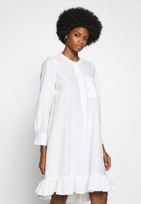 And Less - ALACEN DRESS - Skjortekjole - brilliant white - 0