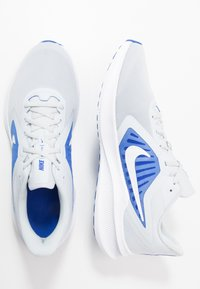 Nike Performance - DOWNSHIFTER 10 - Zapatillas de running neutras - pure platinum/white/hyper royal - 1