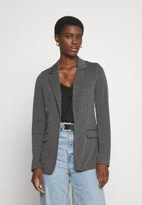 Vero Moda Tall - VMJILLNINA  - Blazer - dark grey melange - 0
