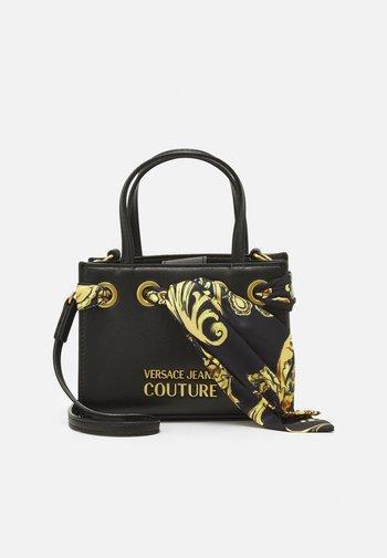 PRINTED FOULARD HANDBAG - Handbag - nero