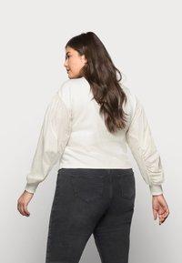 Vero Moda Curve - VMLILI - Sweatshirt - birch - 2