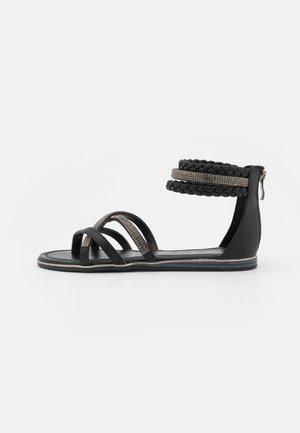 Sandály s odděleným palcem - medusa nero