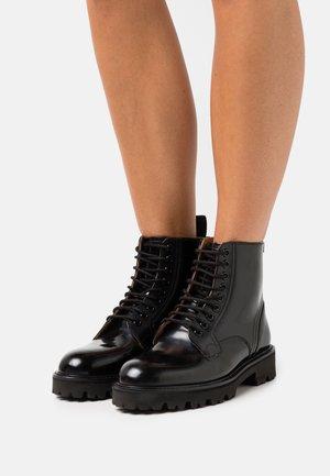 MASCY - Snørestøvletter - black