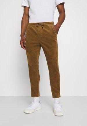 ONSLINUS LIFE CROPPED - Trousers - kangaroo