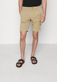 NN07 - CROWN - Shorts - khaki - 0