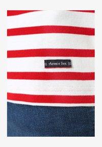 Armor lux - MORGAT MARINIÈRE - Print T-shirt - blanc/braise - 2