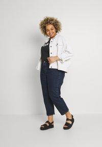 Levi's® Plus - PL 501 CROP - Straight leg jeans - salsa stonewash - 1