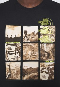The North Face - BASE FALL GRAPHIC TEE - Print T-shirt - black - 4