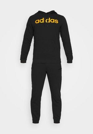ESSENTIALS SPORTS TRACKSUIT - Dres - black