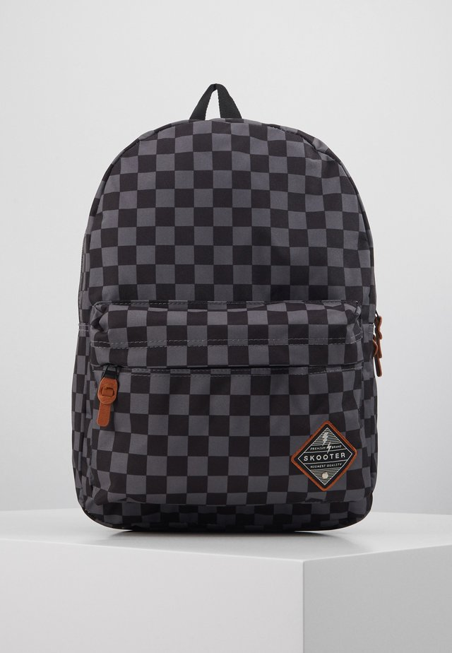 BACKPACK SKOOTER FINISH FIRST LARGE - Rygsække - black