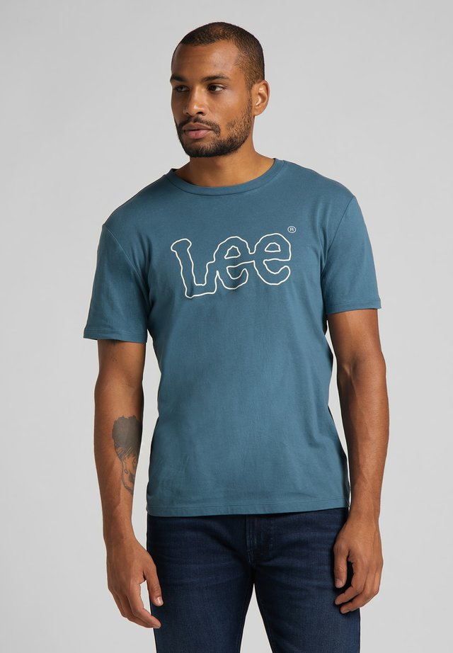 WOOBLY  TEE - Camiseta estampada - teal