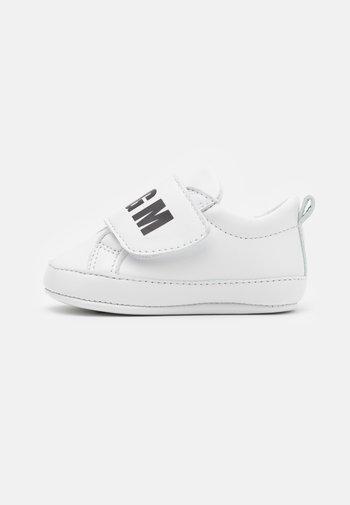 UNISEX  - Babyschoenen - white