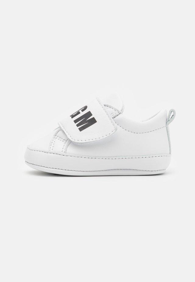 UNISEX  - Scarpe neonato - white