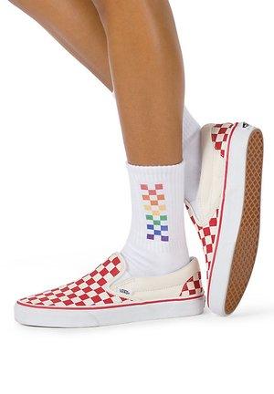 WM PRIDE GIRL GANG SOCK (6.5-10, 1PK) - Socks - rainbow