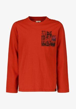 LONGSLEEVE WITH PRINT - Langærmede T-shirts - carmine