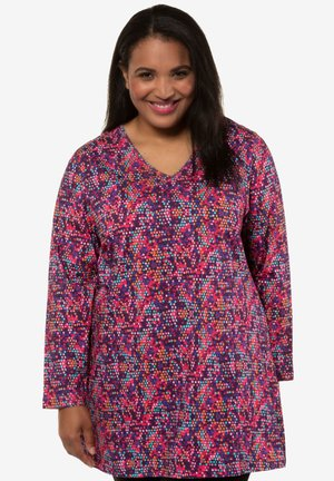 Long sleeved top - berry