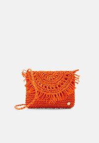 CARRIED AWAY CLUTCH - Beach accessory - tangerine