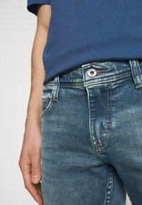 Mustang - OREGON - Jeans straight leg - denim blue - 4