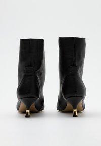 L37 - BULLETPROOF PLUS - Lace-up ankle boots - black - 3