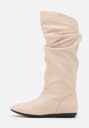 Boots - atenea glacier