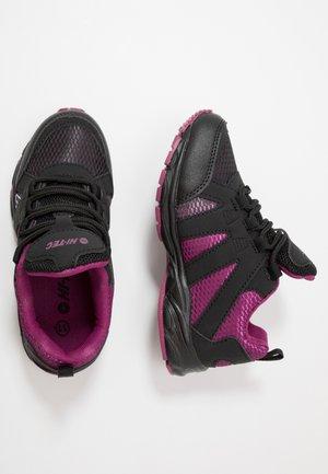 WARRIOR - Hiking shoes - black/purple