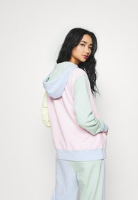 Nike Sportswear - HOODIE - Luvtröja - pink foam /hydrogen blue - 2