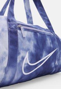 Nike Performance - GYM CLUB 2.0 - Torba sportowa - light thistle/dark purple - 4