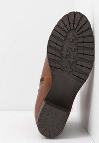 Bullboxer - Classic ankle boots - cognac - 6
