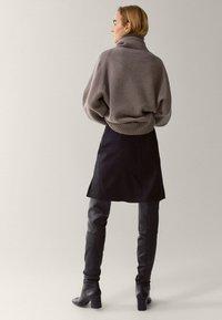 Massimo Dutti - Jupe trapèze - black - 1