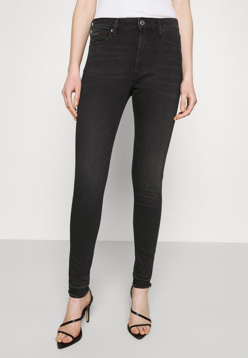 Tommy Jeans - SYLVIA ANKLE - Jeans Skinny Fit - black denim
