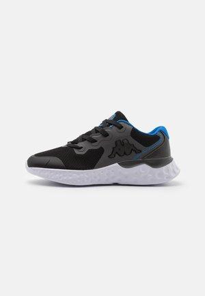 ZIBO UNISEX - Zapatillas de entrenamiento - black/grey