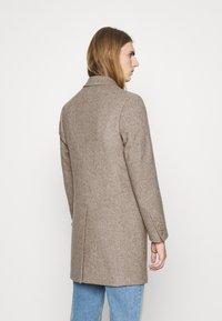 DRYKORN - BLACOT - Klasický kabát - beige - 2