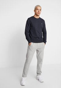 Jack & Jones - JORBASIC CREW NECK 2 PACK - Felpa - total eclipse - 0