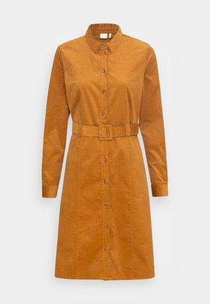 NUMAURYA DRESS - Skjortekjole - cathay spice