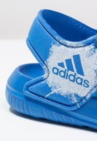 adidas Performance - ALTASWIM - Badesandaler - blue/white - 5