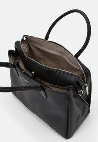 comma - HIDE AND SEEK HANDBAG - Handbag - black - 3
