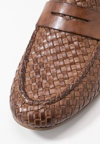 Anna Field - LEATHER SLIPPERS - Slip-ons - cognac - 2