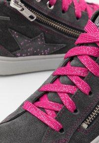 Superfit - HEAVEN - Sneakersy wysokie - grau/rosa - 5