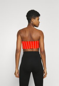 Karl Kani - SMALL SIGNATURE PINSTRIPE BANDEU - Top - red - 2