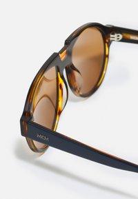 MCM - UNISEX - Sunglasses - blue/amber - 2