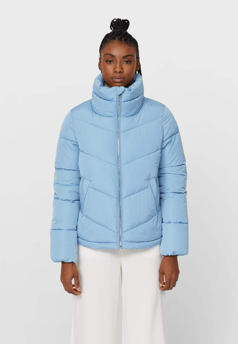 Stradivarius - MIT ROLLKRAGEN - Winter jacket - blue