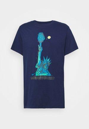 TEE NYC LIBERTY - Print T-shirt - binary blue