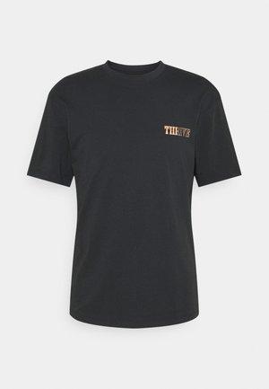JORTREYTON TEE CREW NECK - Print T-shirt - black